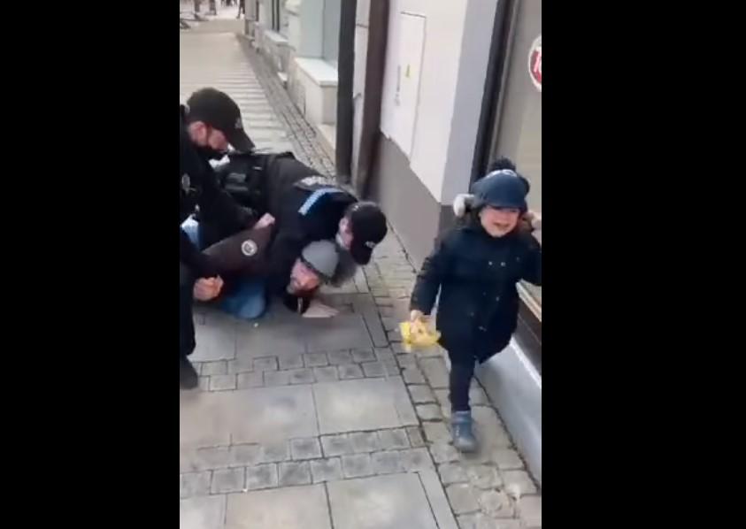 zásah městka policie