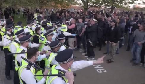 protest velká británie
