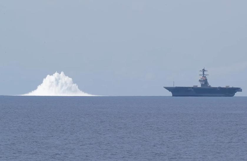 výbuch americká loď