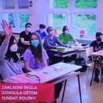 ředitelka školy sundat roušky