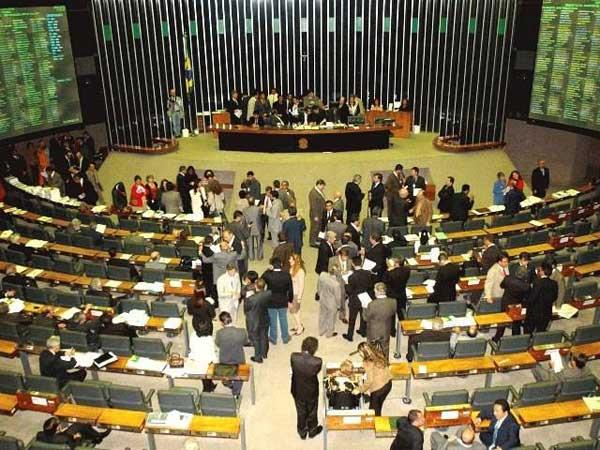 Congresso retoma trabalhos legislativos