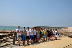 Mit den Spanisch-Sprachschülern beim Kulturausflug zur Meerenge von Gibraltar, hier in Baelo Claudia an den Dünen.