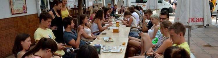 Desayuno en el descanso del curso de español