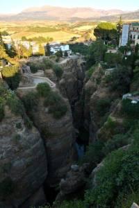 Ausflug nach Ronda mit den Spanischsprachschülern Blick in den hinteren Teil der Schlucht.