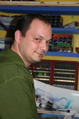 Alberto García, alumno del curso de aerografia C10