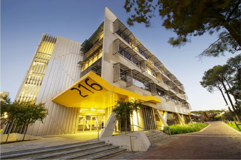 universitas terbaik di australia Curtin University