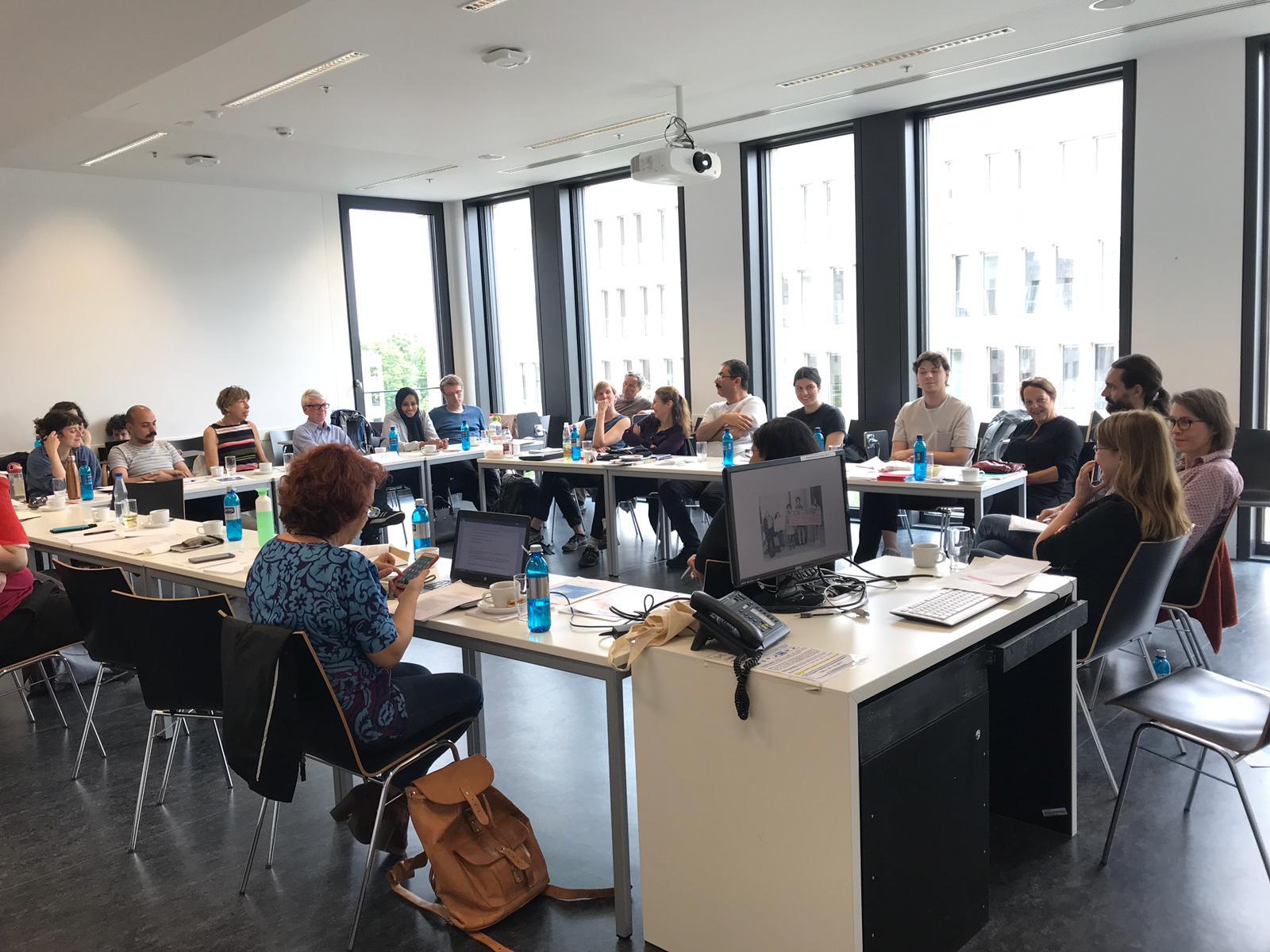 GEW-Hessen und WFF-Deutschland halten einen Workshop ab zu Prekarität und Diversität in der deutschen Wissenschaft