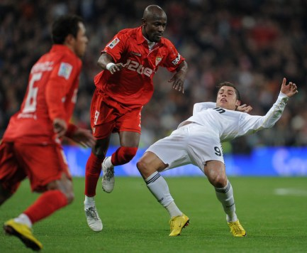 Cristiano Ronaldo Didier Zokora Real Madrid academie de soccer jmg seville fc