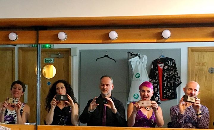 When we get bored in the dressing room before a gig! Great time as guests of Surrey Fringe, with the lovely The Hummingbirds Quartet 💕