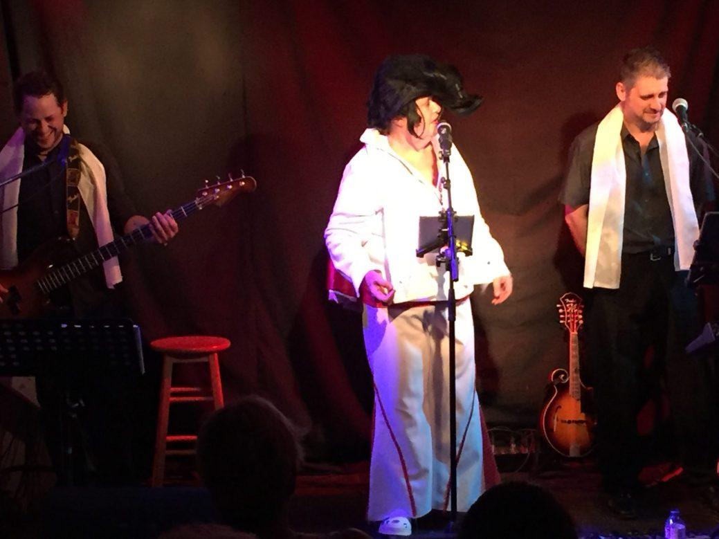 Une interprétation d'Elvis, à la fin du spectacle, a été un des moments forts de la soirée. - Acadie Nouvelle: Anne-Marie Provost