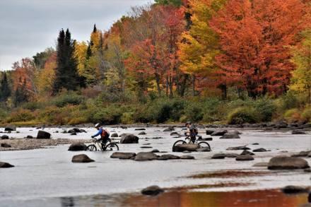 Les paysages d'automne ont fourni un décor coloré aux compétiteurs du Défi Népisiguit. - Gracieuseté
