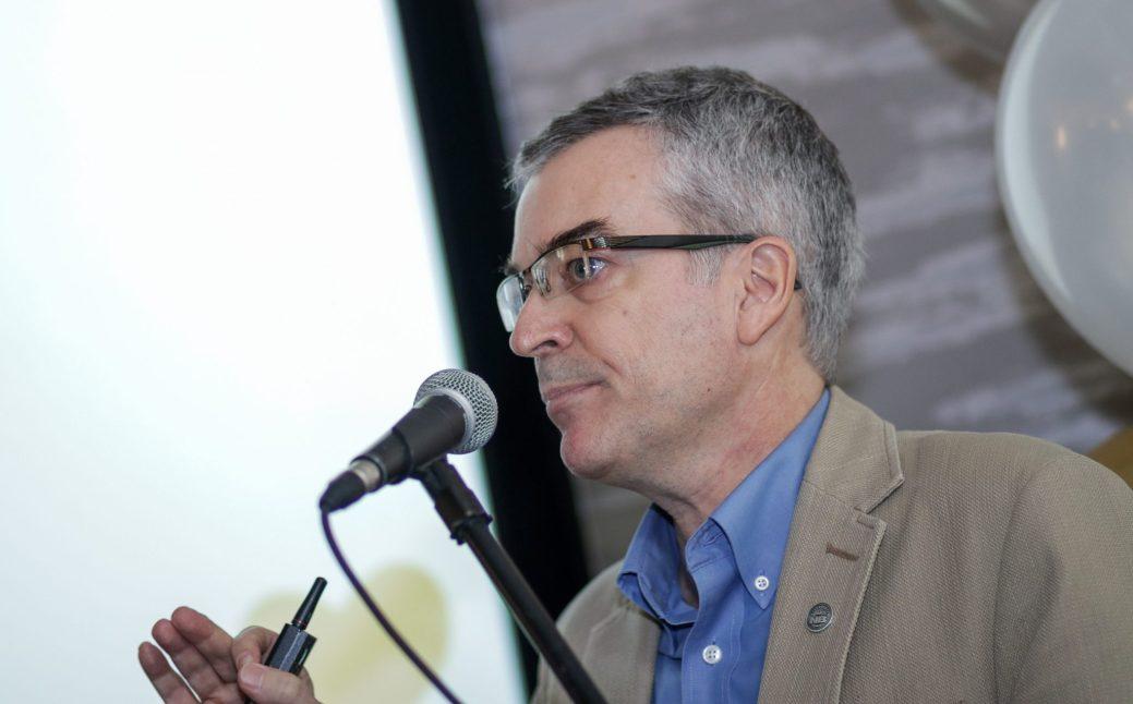 L'économiste Pierre-Marcel Desjardins soutient qu'en achetant quelques produits locaux on peut contribuer à la création de milliers d'emplois. - Acadie Nouvelle: Patrick Lacelle