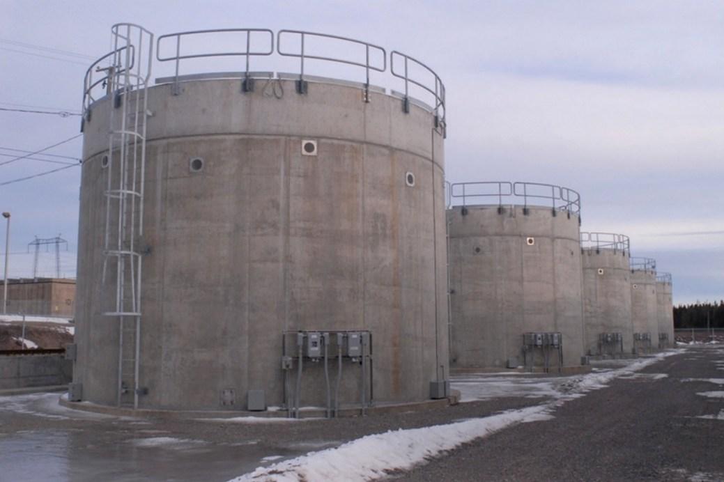 Ces voûtes d'entreposage abritent des matières radioactives de moyenne activité. - Source: Commission canadienne de sûreté nucléaire