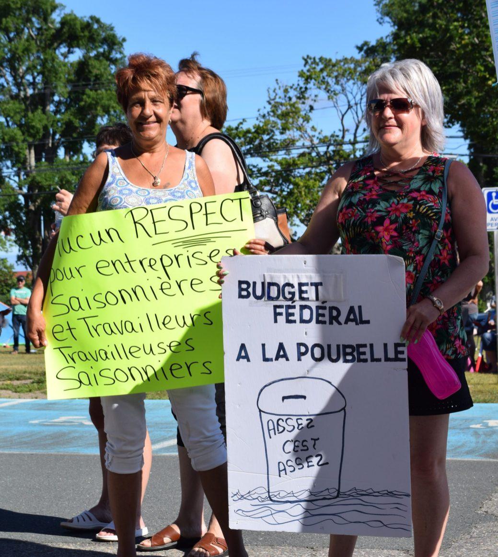 Quelques centaines de personnes ont participé à la manifestation mercredi. - Acadie Nouvelle: David Caron