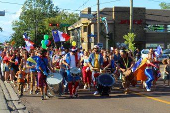 Le 15 août à 18h c'est l'heure du tintamarre dans les rues de Moncton! - Acadie Nouvelle: Simon Delattre
