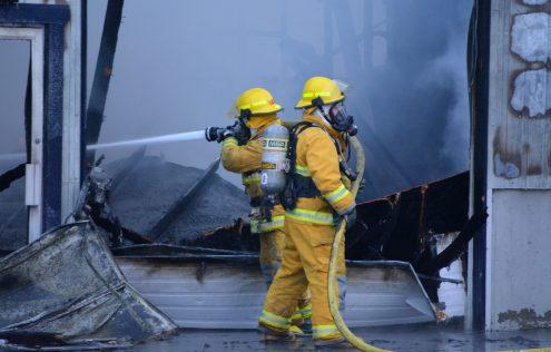 Le concessionnaire de véhicules d'occasion Campbellton Auto-Direct a été la proie des flammes mercredi. - Acadie Nouvelle Jean-François Boisvert