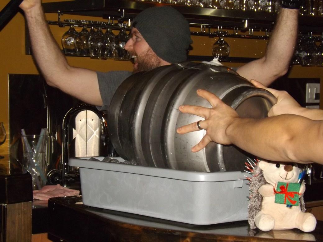 Le maître brasseur Patrick Dionne n'a pas manqué souligner le lancement du 5e anniversaire des Brasseurs du Petit-Sault avec une bière conçue spécialement pour l'occasion. - Acadie Nouvelle: Sébastien Lachance