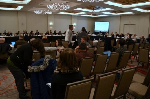 Des membres de l'industrie du crabe des neiges et des scientifiques et gestionnaires du gouvernement fédéral étaient à Moncton, la semaine dernière, pour la réunion annuelle du comité consultatif du crabe des neiges du golfe du Saint-Laurent. - Acadie Nouvelle: Jean-Marc Doiron