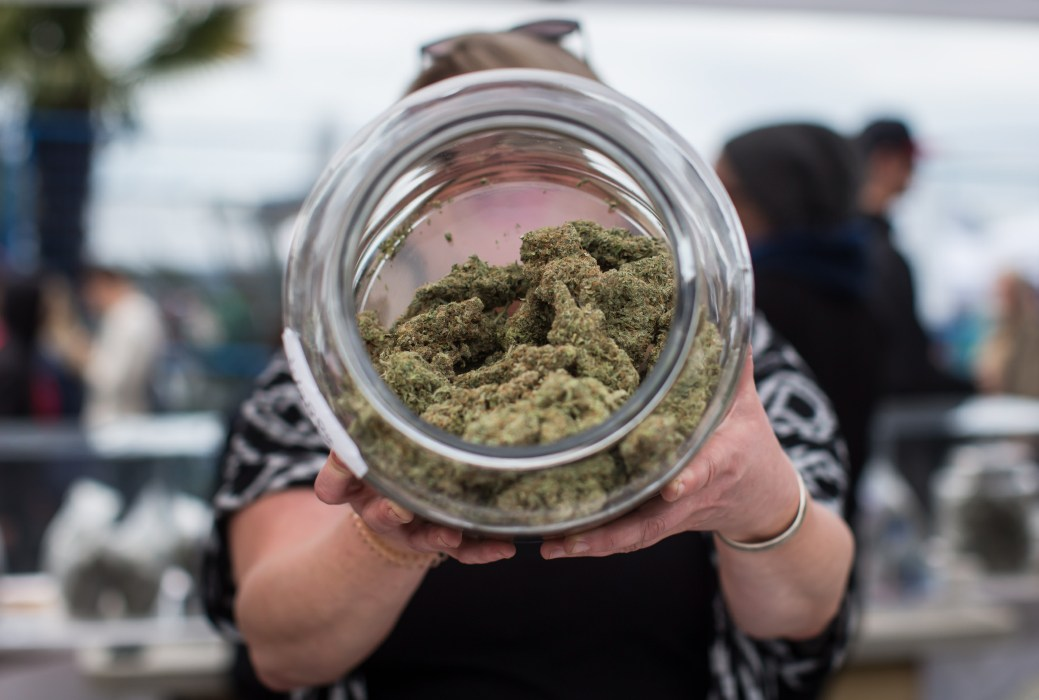 Le quotidien de nombreux Néo-Brunswickois a changé le 17 octobre avec la légalisation du cannabis récréatif. - La Presse canadienne: Darryl Dyck