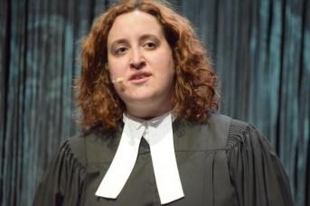 Monica Bolduc répète une scène de la pièce Winslow. - Acadie Nouvelle: Sylvie Mousseau