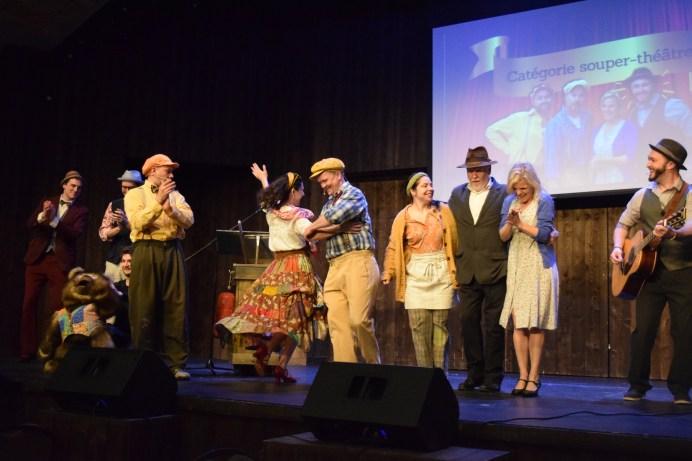Une partie de l'équipe de comédiens et de musiciens du Pays de la Sagouine. - Acadie Nouvelle: Sylvie Mousseau