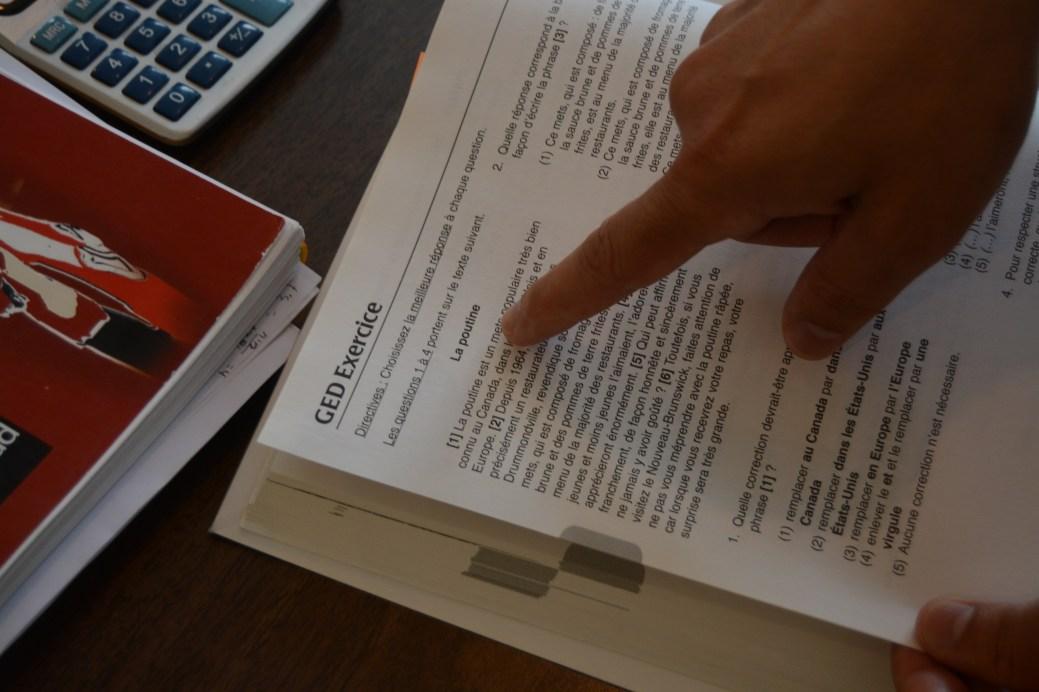 CODAC NB affirme que le manuel du GED n'est pas adapté aux francophones. À une exception près… - Acadie Nouvelle: Cédric Thévenin