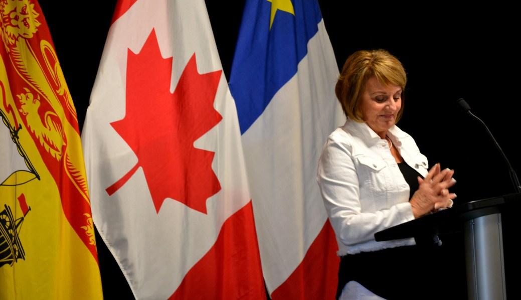 La maire de Saint-Quentin, Nicole Somers, avait beaucoup de difficulté à contenir sa joie suite à l'annonce du retour de Service NB dans sa ville. - Acadie Nouvelle Jean-François Boisvert