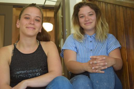 Les jumelles Angie et Tracey Richard originaires de Cap-Pelé ont été choisies pour réaliser un court métrage dans le cadre du programme Tourne à Québec en partenariat avec le Festival international du cinéma francophone en Acadie (FICFA) et Spira. - Acadie Nouvelle: Sylvie Mousseau