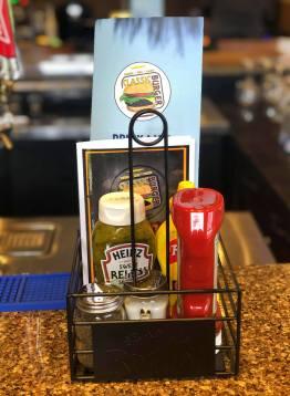 Classic Burger a ouvert ses portes à Bathurst. - Acadie Nouvelle: Allison Roy