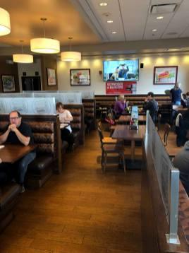 28 nouveaux burgers à essayer chez Classic Burger de Bathurst. - Acadie Nouvelle: Allison Roy