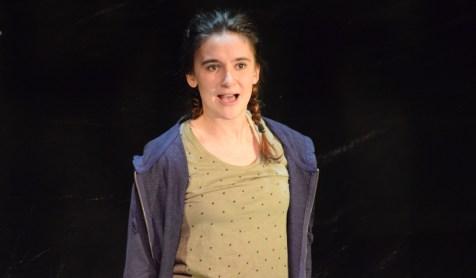 La comédienne Florence Brunet répète une scène de la pièce Tsunami. - Acadie Nouvelle: Sylvie Mousseau