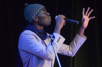 L'artiste-slameur Clair MC du Sénégal lors de sa performanc à l'ouverture du festival international de slam/poésie en Acadie. Acadie Nouvelle: Sylvie Mousseau