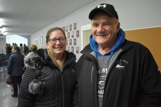 Albain et Collette Doucette croient que la communauté aidera la coop à se remettre sur pied financièrement. - Acadie Nouvelle: Alexandre Boudreau