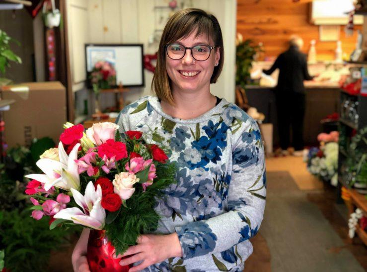 Stephanie Glendenning et sa mère, Leigh, ont pris en charge la boutique de fleurs il y a environ trois ans. - Acadie Nouvelle: Allison Roy