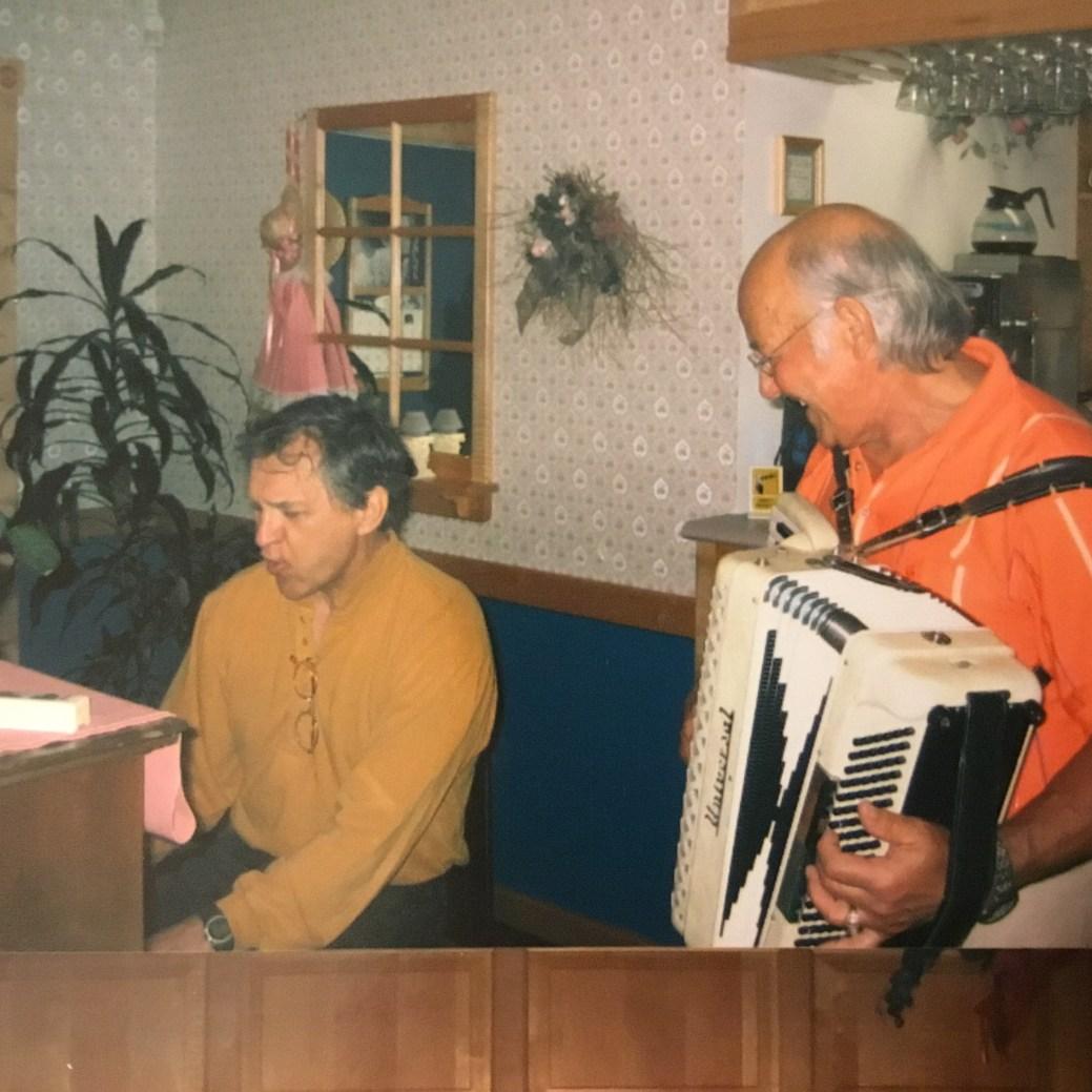 Joe Haché, à l'accordéon, est un excellent musicien. - Gracieuseté