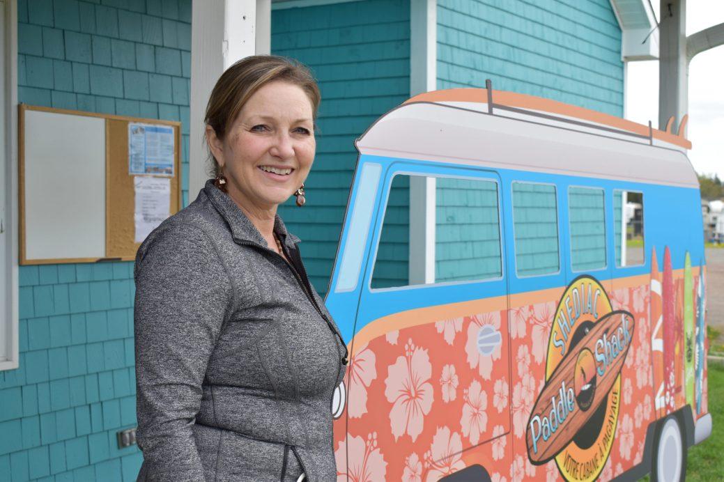 Paulette LeBlanc estime que les touristes venus du Québec représentent habituellement 40% de sa clientèle. - Acadie Nouvelle: Simon Delattre