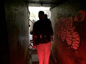 Les souterrains de l'île ont reçu la visite de nombreux vandales et aventuriers en quête de sensations fortes. - Acadie Nouvelle: Simon Delattre