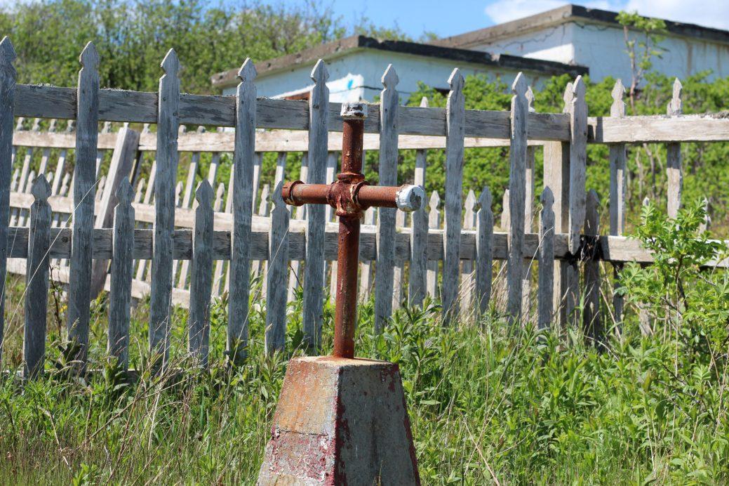 Le cimetière de l'île abrite les ossements de victimes anonymes des épidémies du 19ème siècle. - Acadie Nouvelle: Simon Delattre