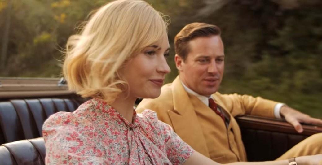 Lilly James et Armie Hammer dans une scène de Rebecca. - Gracieuseté