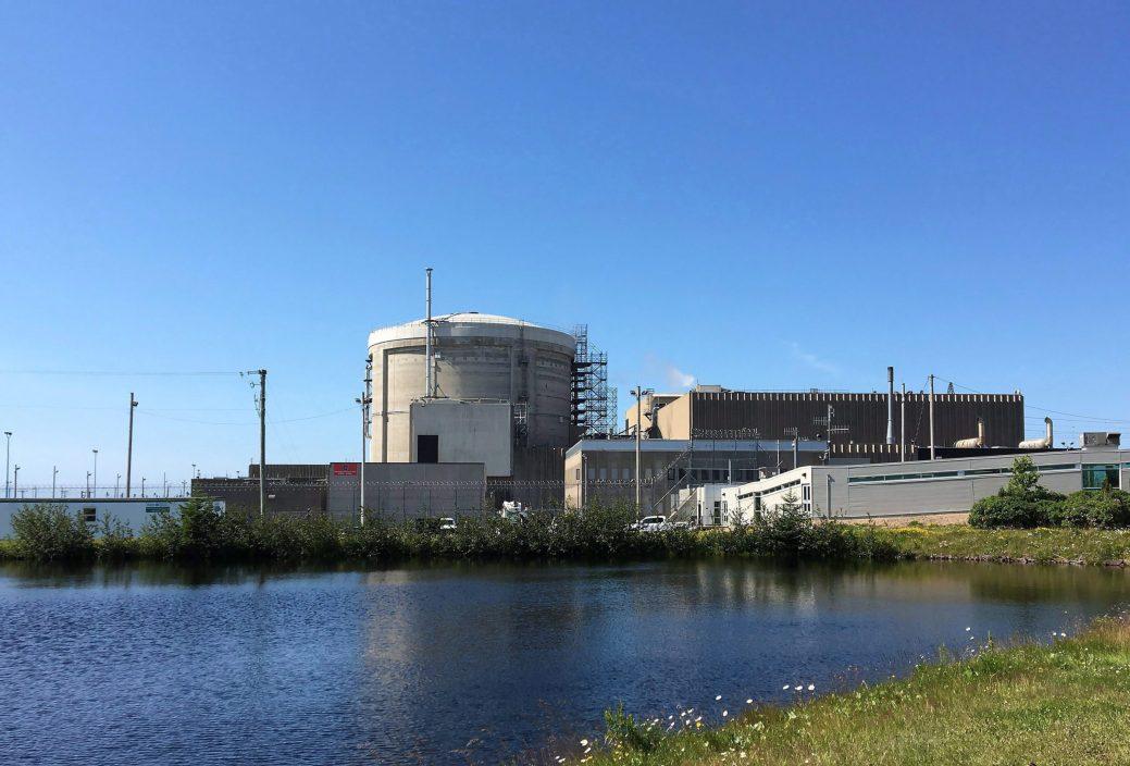 En 2005, le gouvernement provincial et Énergie NB ont fait le pari de donner une deuxième vie à la centrale nucléaire de Pointe Lepreau. un pari qui a coûté 2,4 milliards de dollars, soit un milliard de plus qu'anticipé. - archives