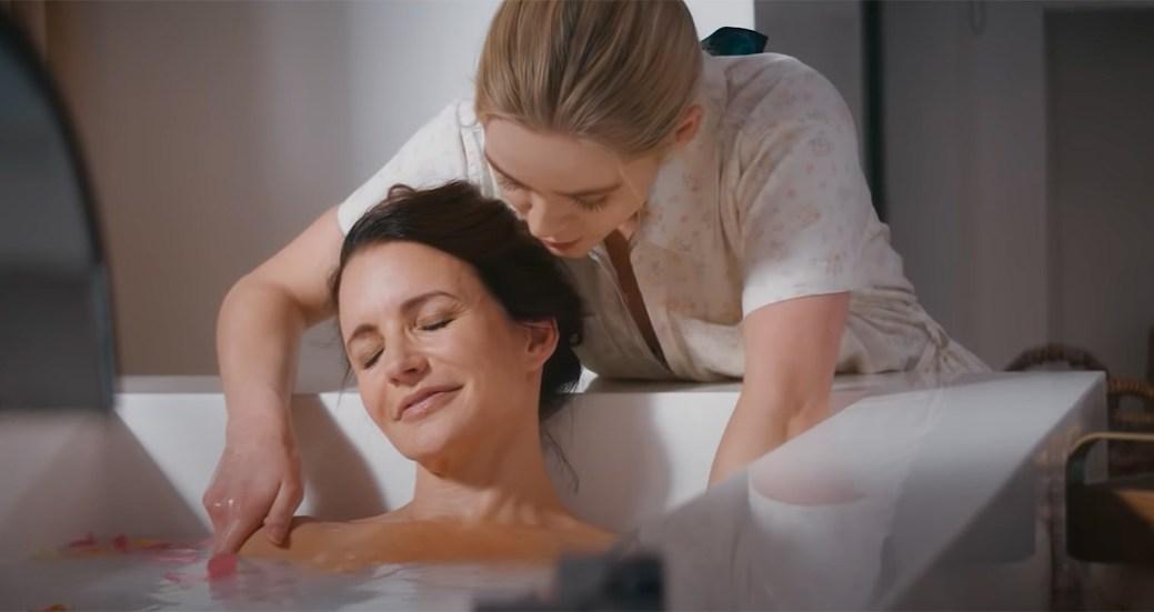 Kristin Davis et Greer Grammer dans une scène de Deadly Illusions (Netflix). - Gracieuseté