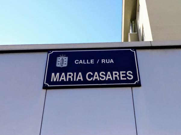 Placa da rúa María Casares