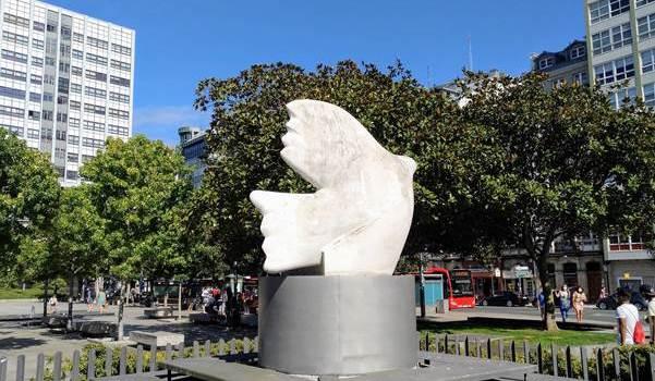 Pomba de Picasso - Praza de Pontevedra