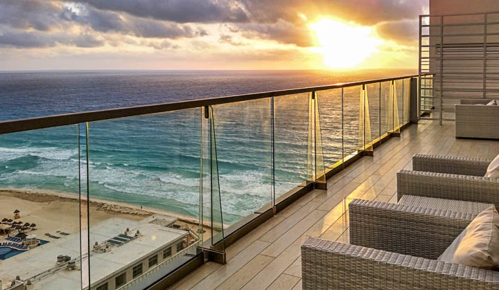Entardecer do alto do Secrets The Vine Cancun. Foto Angela Manta