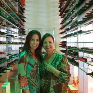 Visitando a adega do Secrets the Vine Cancun. Foto Angela Manta