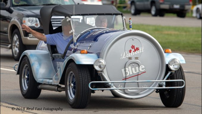 labatt beer can car