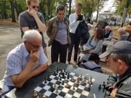 Jo beim Schachduell