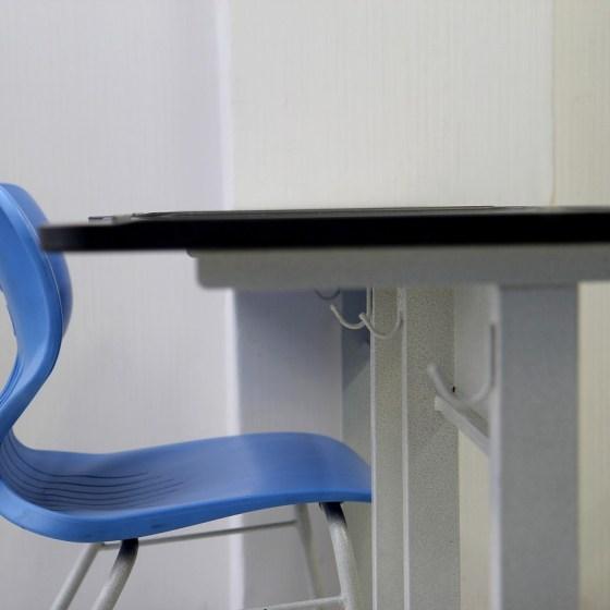 desk-1635403_1280