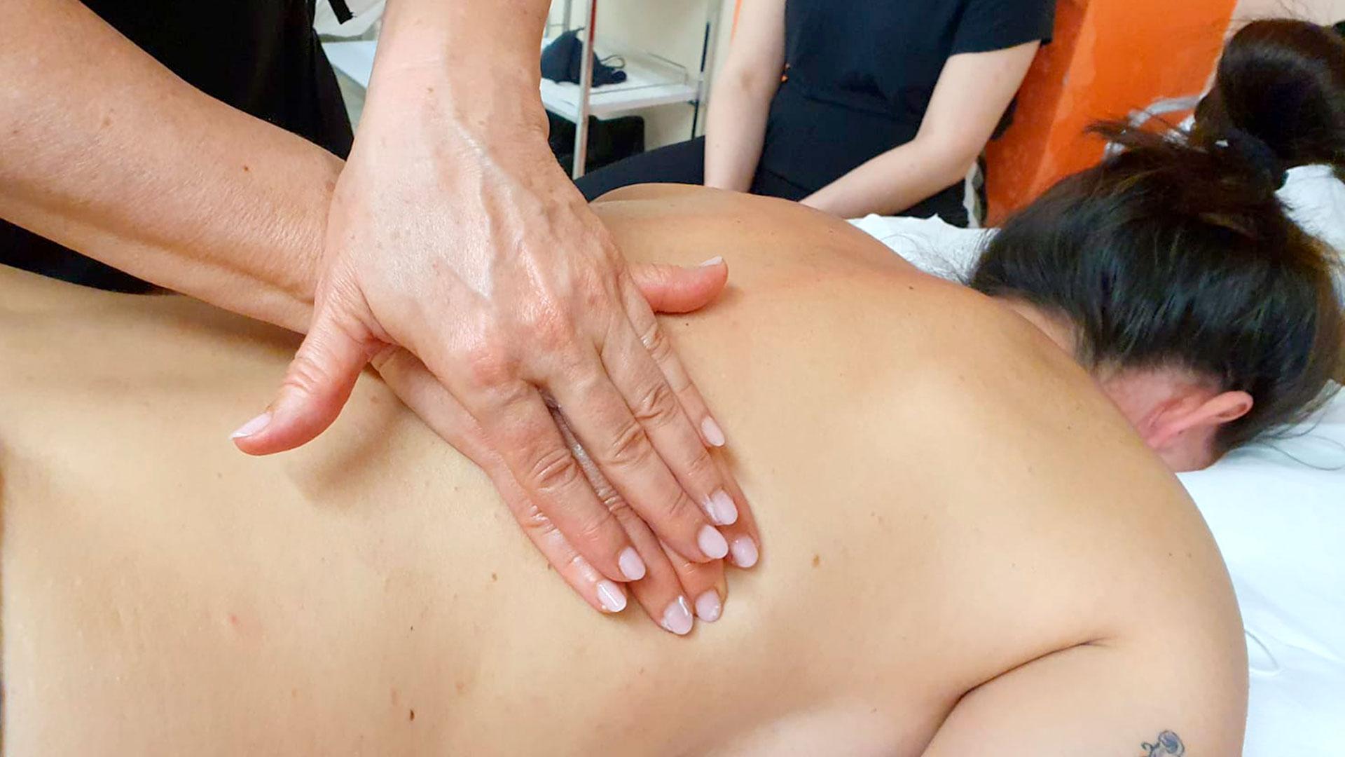 accademia formativa estetica massaggio decontratturante