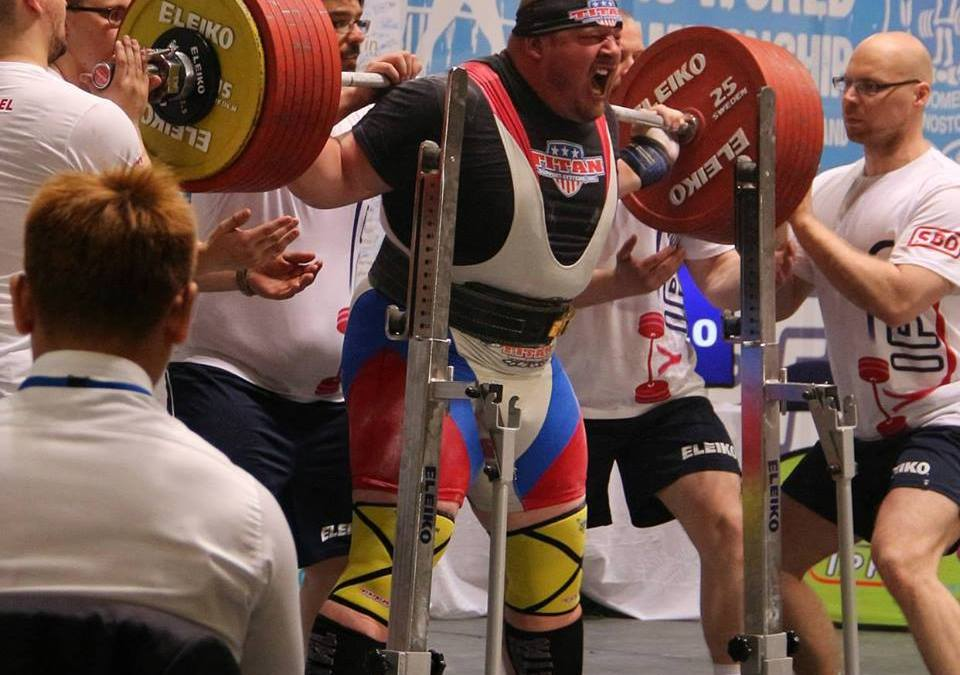 Il powerlifting di vertice. Sumner Blaine from USA